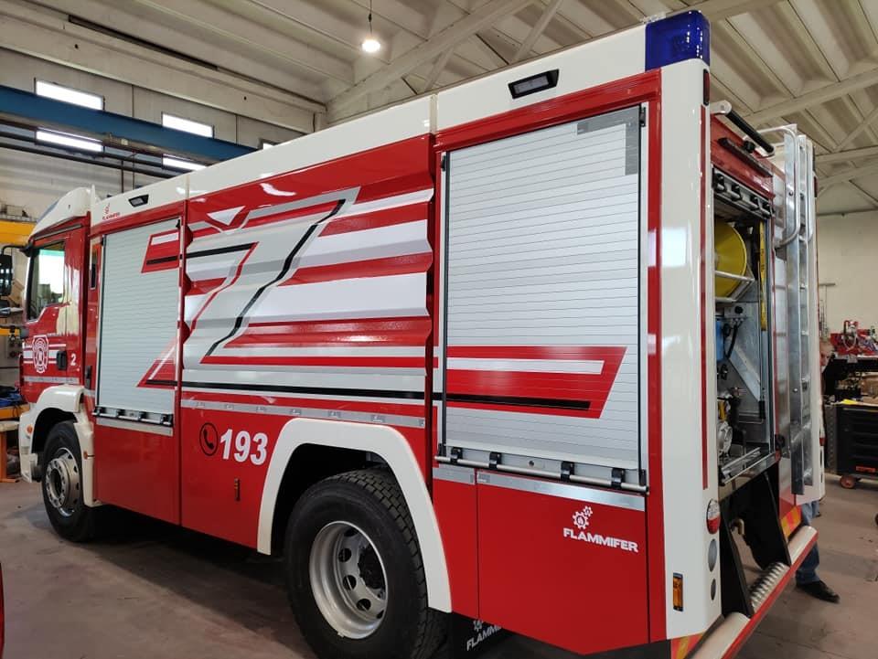 U Društvo pristigla nova vatrogasna autocisterna